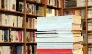 Đặt mua sách trên Amazon
