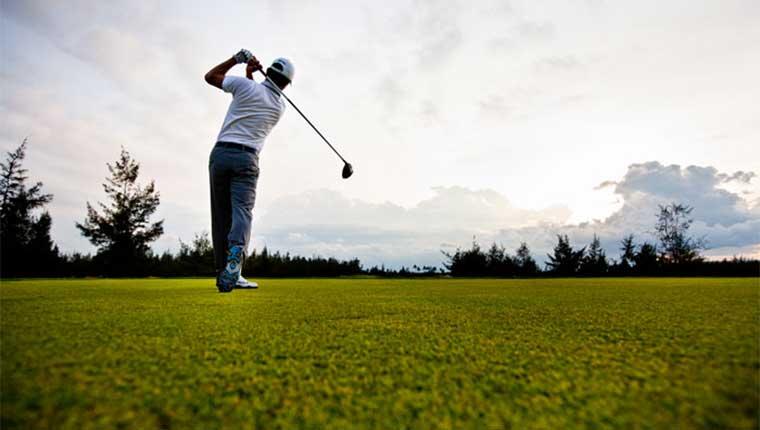Chọn gậy chơi golf