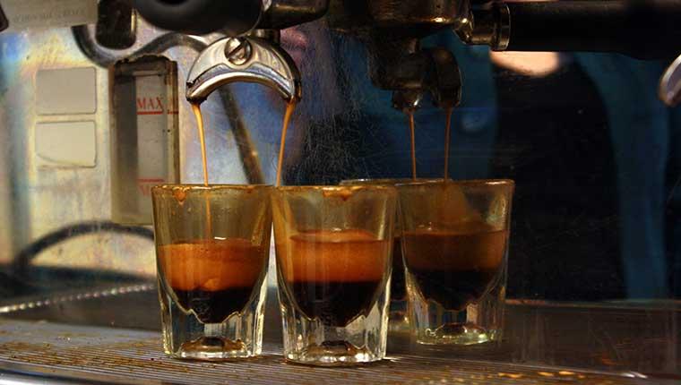 Chọn mua máy pha cà phê