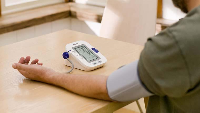 Máy đo huyết áp gia đinh