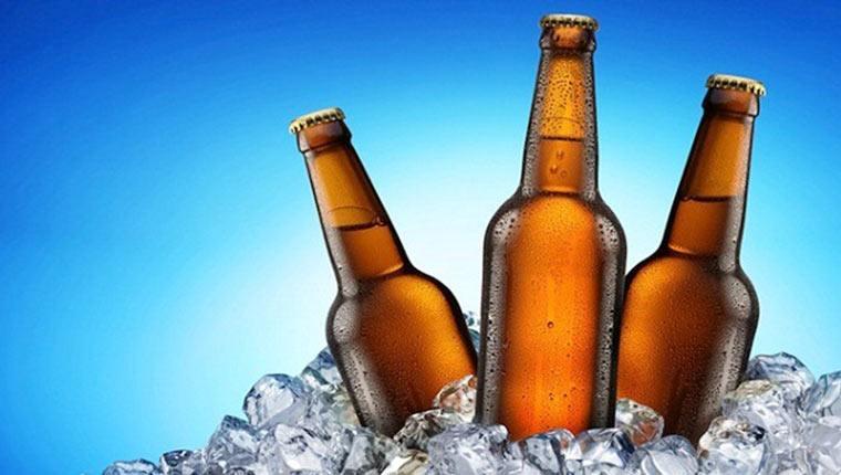 Bia-ngâm-đá-nhanh-lạnh-hơn-trong-tủ-lạnh