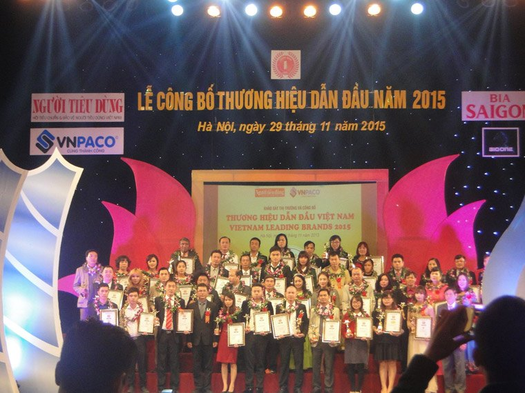 Lễ công bố 100 thương hiệu dẫn đầu Việt Nam năm 2015