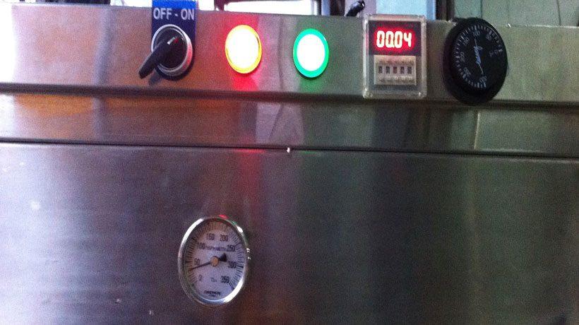 đèn báo trên tủ cơm 4