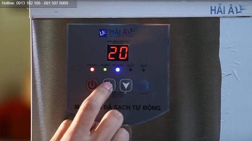 Bảng điều khiển máy làm đá HA 180