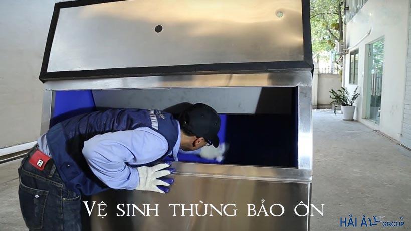 vệ sinh thùng bảo ôn