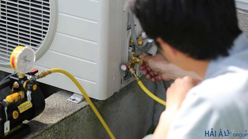 Thêm gas vào dàn nóng điều hòa nhiệt độ