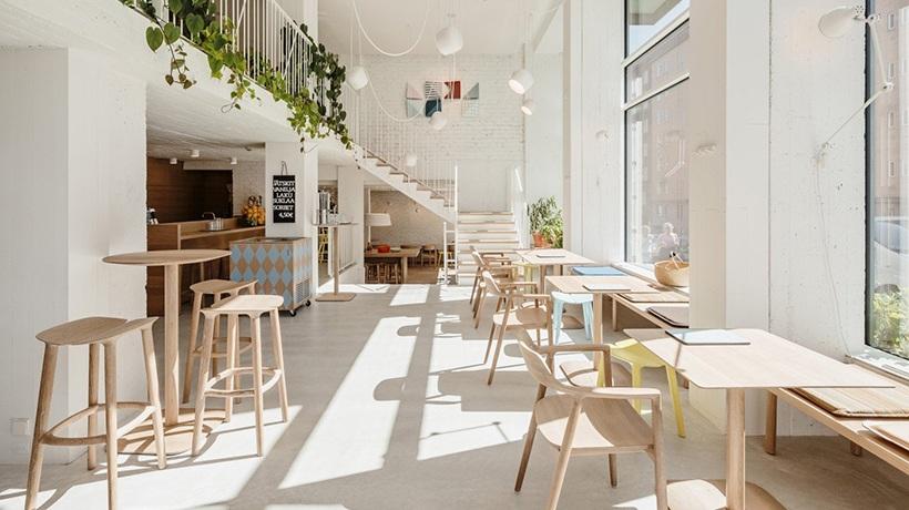 Một không gian quán cà phê được thiết kế thông minh giúp bạn có thể tiết kiệm nhiều chi phí.