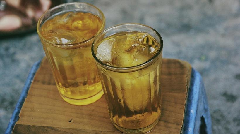 Những ly nước của bạn có nguy cơ nhiễm khuẩn do đá không rõ nguồn gốc.