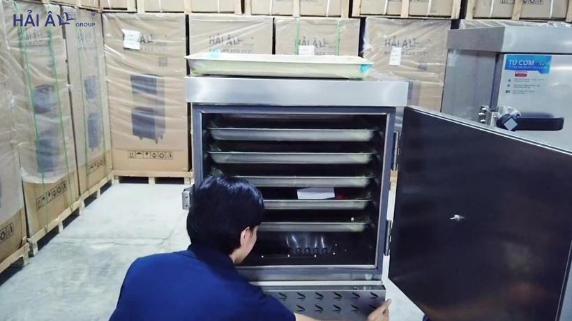 tủ cơm nấu linh hoạt hơn nồi nấu cơm công nghiệp